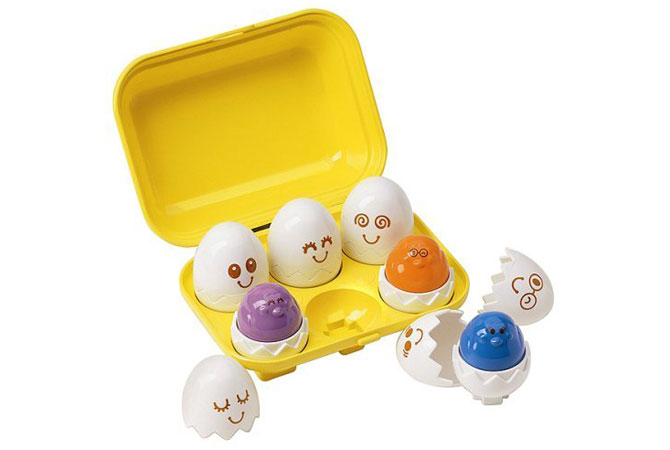 Huevos encajables de Tomy Infant